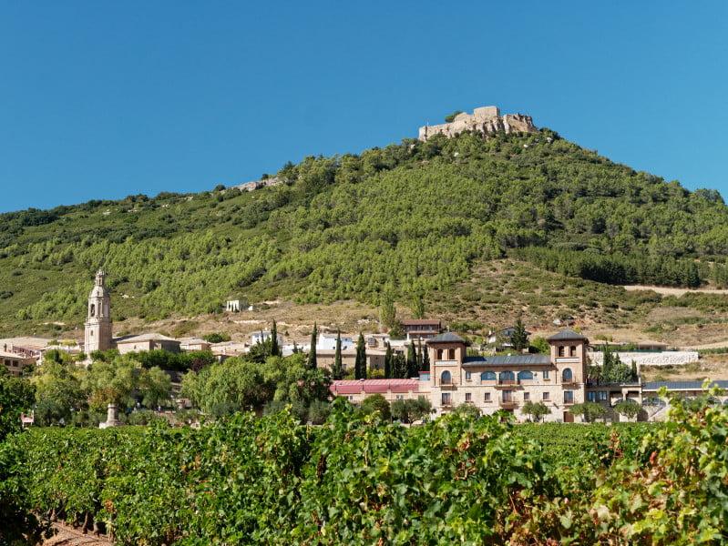 village_chateau